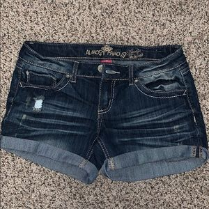 Juniors size 7 jean short
